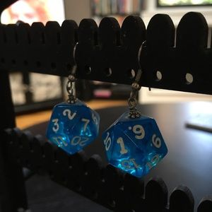 🎲 D20 dice earrings for sale